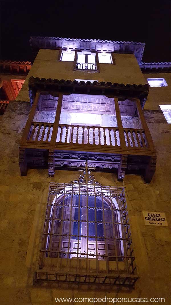 casas-colgadas-de-cuenca-noche-luces